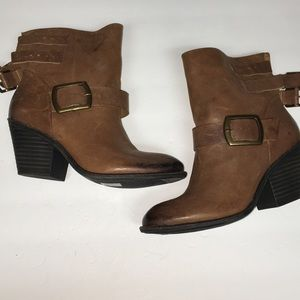NWOT Lucky Brand Ankle Boots
